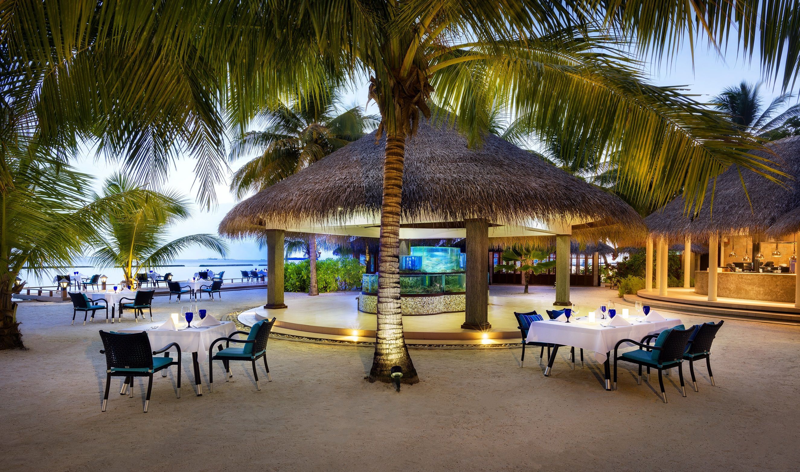 Adjacent to the lagoon, this unique restaurant allows you to enjoy the intimate atmosphere of casual, outdoor dining next to the beach. Enjoy live cooking stations as the chefs customize your meal just the way you like it.